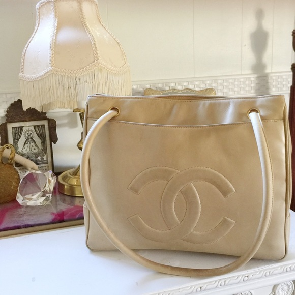 1213ddce155f2e CHANEL Handbags - [Chanel] lambskin leather apricot bag